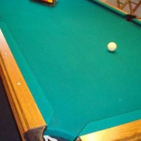Beautiful 8' Olhausen Pool Table